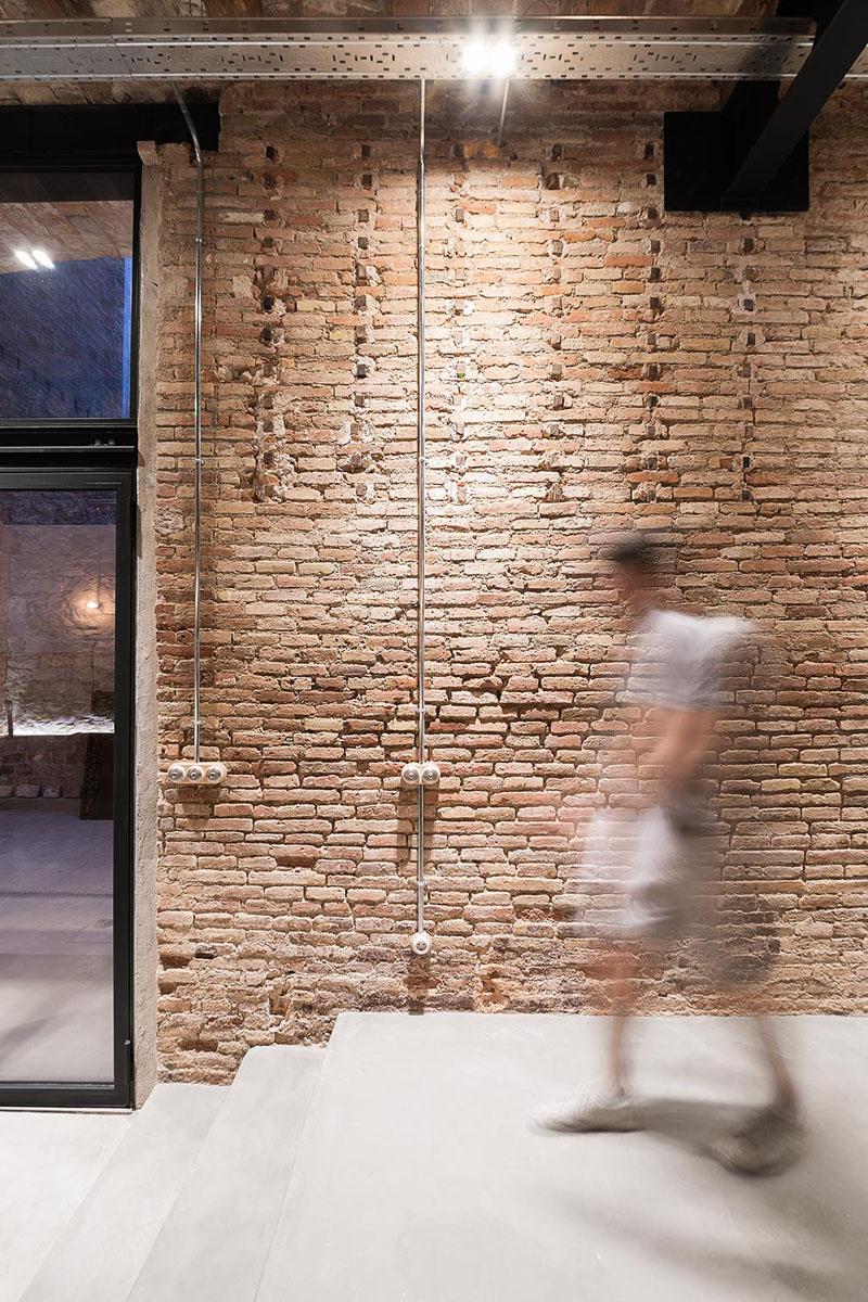 بازسازی ساختمان قدیمی و تغییر کاربری