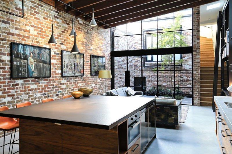 بازسازی و طراحی داخلی خانه آجری