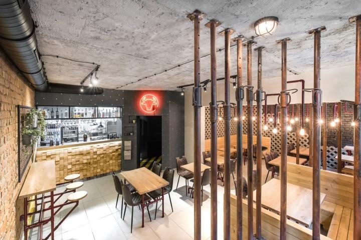 طراحی داخلی رستوران فست فود با آهن و بتن