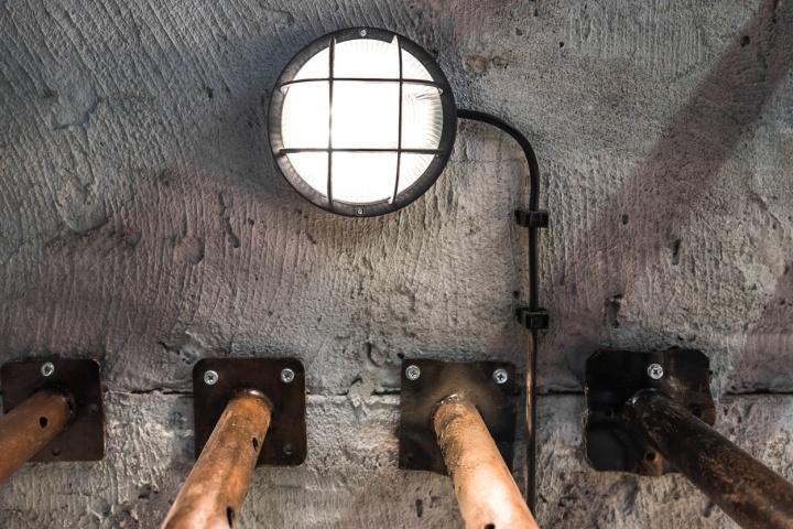 دکوراسیون فست فود با آهن و بتن